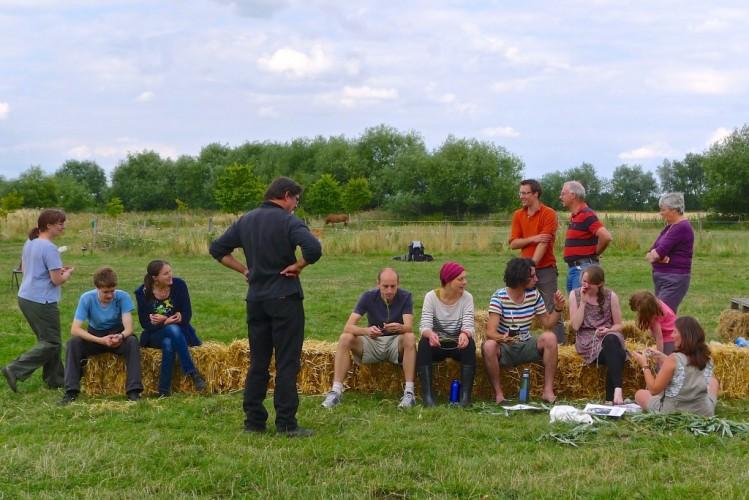 Lots of folks enjoying farm activities!