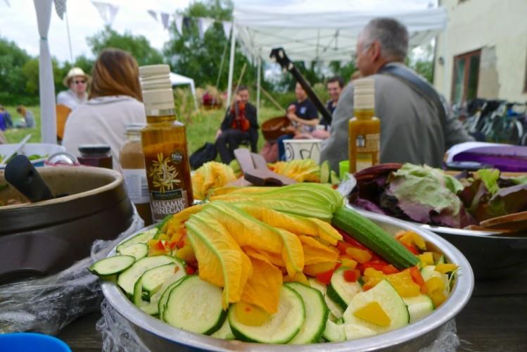 farm courgette salad