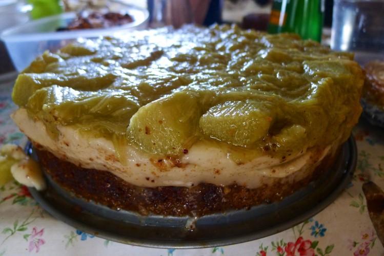 Vegan Rhubarb And Custard Cake